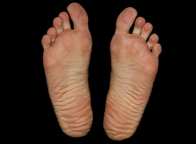 Puncture wound foot infection symptoms