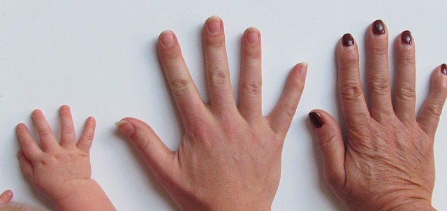 Swollen finger treatment for hangnail infection